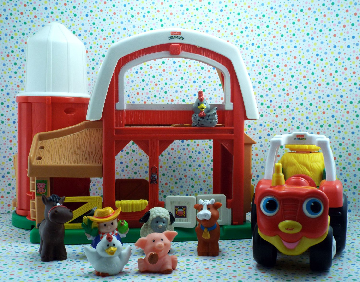 Fisher Price Little People Animal Sounds Farm and Tow N' Pull Tractor