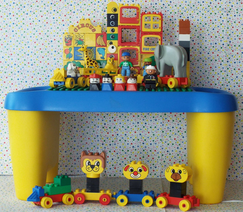 Charmant *7/16*SOLD~Lego Duplo Table Building Block Table Mega Bloks Table