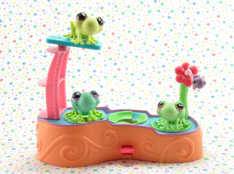 Littlest Pet Shop Leapin' Lagoon Playset  LPS