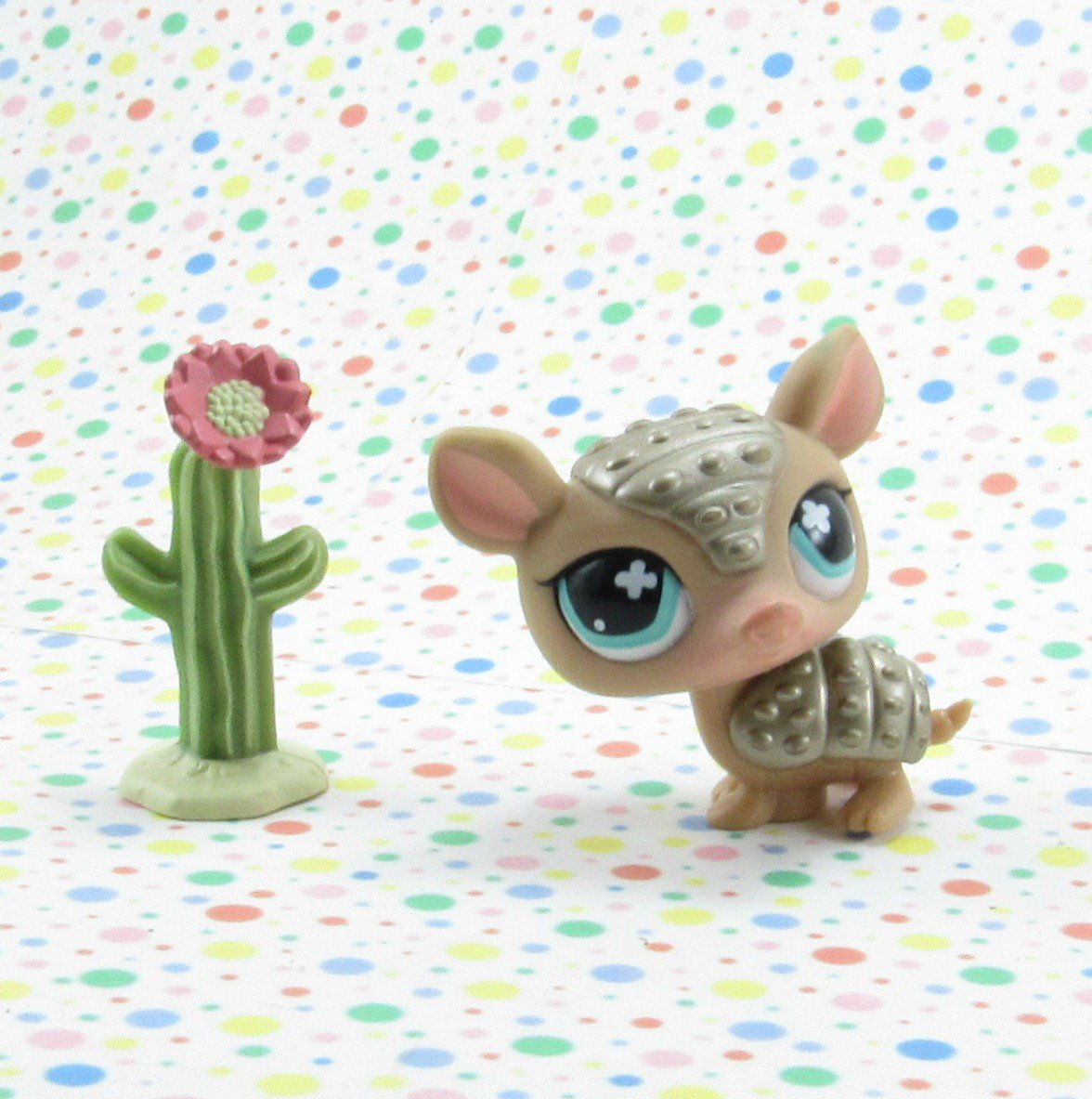 Littlest Pet Shop #638 Armadillo ~ LPS Real Feel Funniest Pets