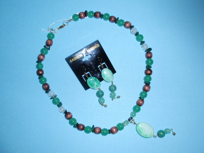 """mint chocolate"" necklace w/pendant, matching earrings"