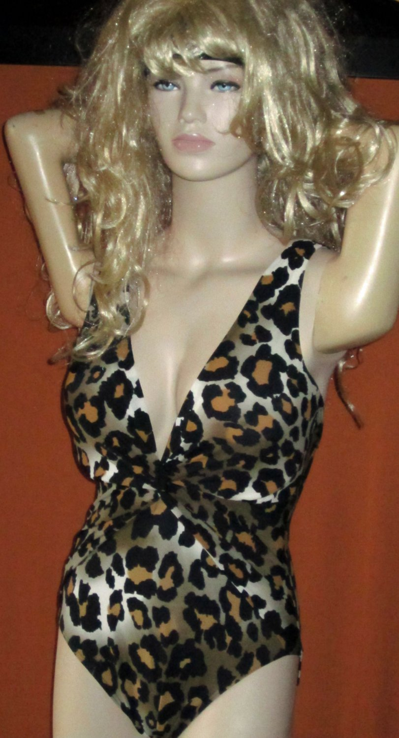 Victoria's Secret $178 Magicsuit Leopard 1 Piece Firm Control Swimsuit 10 279280 279279