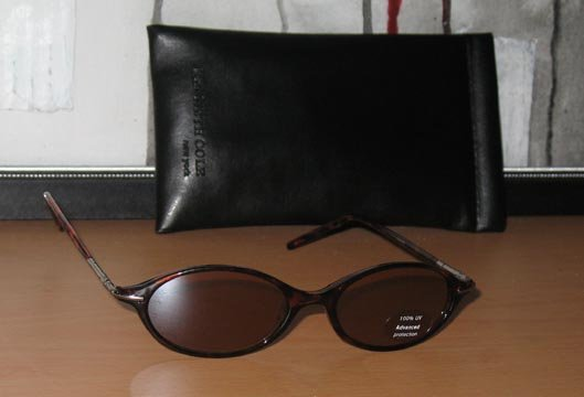Kenneth Cole Reaction Oval Tortoise Shell Sunglasses With Soft Black Monogrammed Case  001305