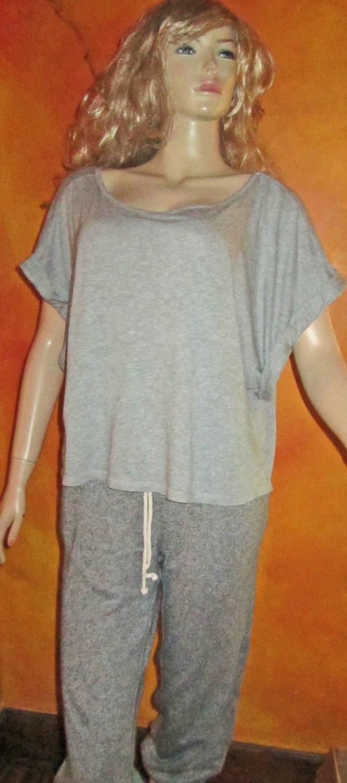 Victoria's Secret $35 Angels Gray Short Sleeve Top Size Medium 267400