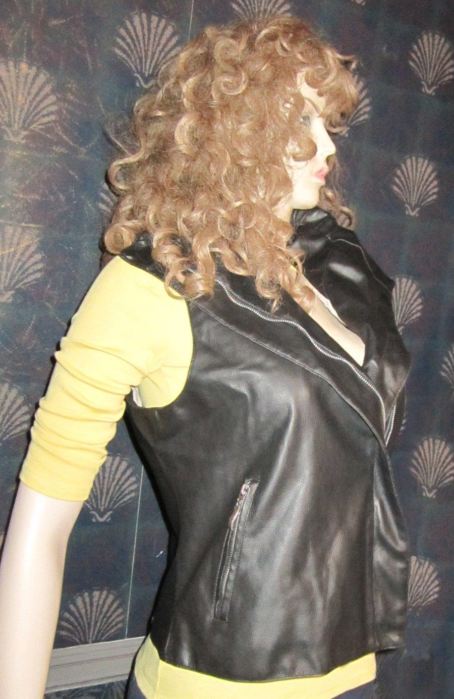 Victoria�s Secret $98 Black Leather Look Bikers Motorcycle Vest Medium  259588