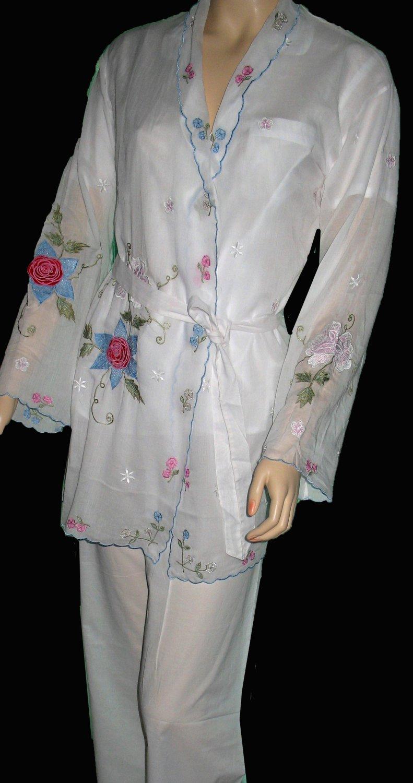 New Victoria�s Secret White Odille Oasis Embroidered Robe Medium  205037