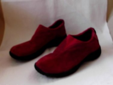 """Cute Route 66 Suede Shoes Size 6 Red 1"""" Heel Rubber Sole Comfortable*Nice!"""