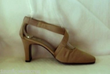 "Sexy Mootsies Tootsies Slick Fabric Heels*Taupe Back Zip 7.5M 3"" Heel Very Nice"