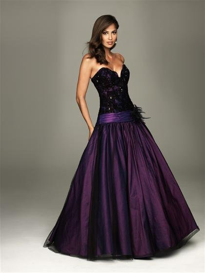 2011  Strapless  Appliqued  sweatheart  prom dress