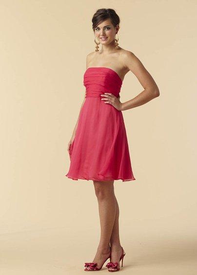 Hot  pink  strapless  fan-shape  bridesmaid  dress