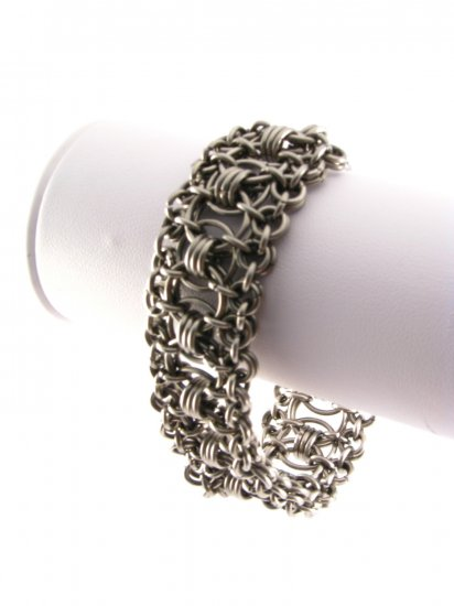 Absolutely Beautiful Ruffle Chainmaille Bracelet