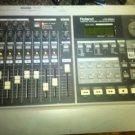 ROLAND VS-880 DIGITAL WORKSTATION