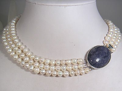 THREE STRING PEARL NECKLACE BEAUTIFUL BLUE CLASP