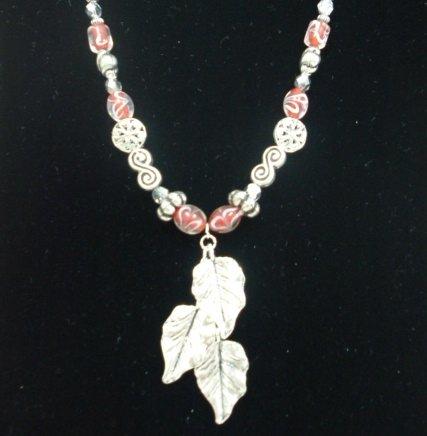 1037S Necklace & Earring set. 3 Leaf pendant.
