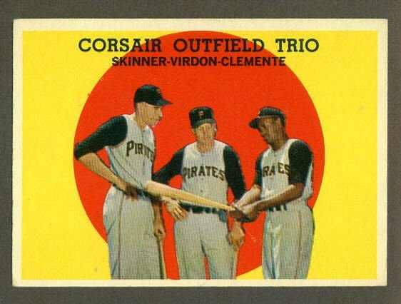 1959 Topps baseball set # 543 Corsair Trio with Roberto Clemete