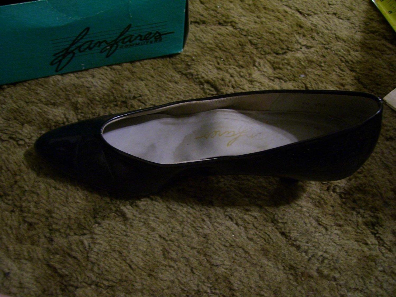 """Vintage Women's Just Say Adores Black Heels, Size 10, 2"""" Heels"""