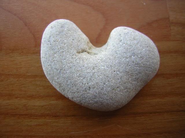 Natural Heart Shape Stone Pebble Beach Sea LOVE Rock