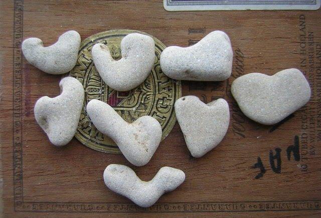 8 Natural Heart Stones Pebble Beach Sea LOVE Rocks