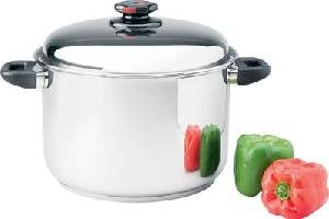 The Steam Control 12 Qt. 9 Element 304 Surgical Stainless Steel Stock Pot
