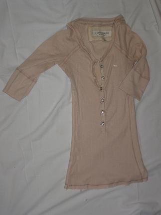 Abercrombie and Fitch 3/4 sleeve button shirt