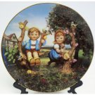 Hummel Apple Tree Boy & Girl Collectors Plate Little Companions 23K Gold Trim Danbury Mint