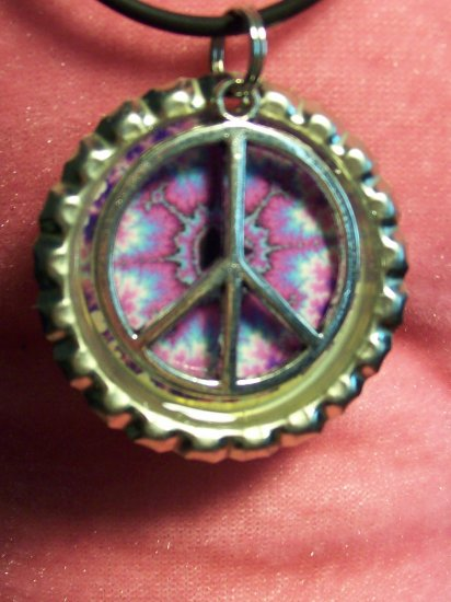 Bottle Cap pendant with Peace Sign #011