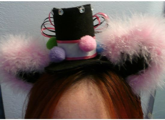 Mini Lolita hat with ears - Circus (Pink feathers)