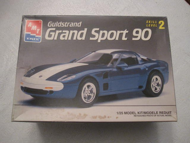 AMT Grand Sport 90 Corvette model kit scale 1/25