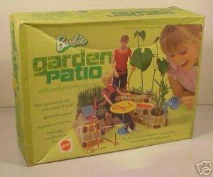 Vintage BARBIE GARDEN PATIO Play Set + Box (1972)