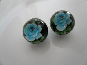 Blue on Black Floral Tensha Beads 14mm