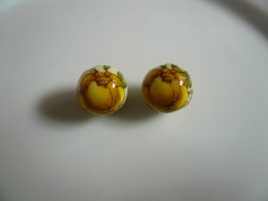 Yellow on White Tensha Floral Beads 10mm