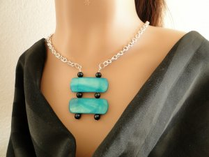 Set 1 Necklace and Earrings Turquoise Shell