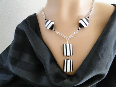 Set 10 Necklace and Earrings Black and White Geometric