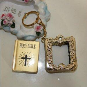 MINI Holy BIBLE MINIATURE KEY CHAIN Keyring CRAFTS VBS Christian Jesus /w Case A1177