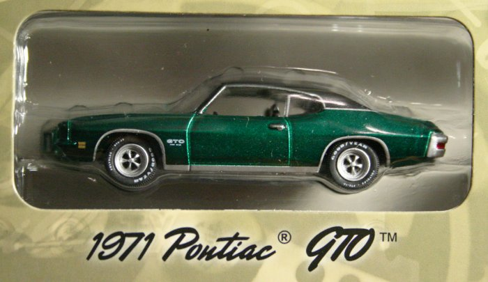 GreenLight Route 66 1971 Pontiac GTO GREEN MACHINE