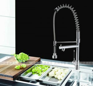 Solid Brass Spring Pull Out Kitchen Faucet - chrome finsh 8525.2