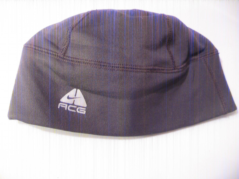Nike ACG Cap 96% poly  4% Spandex Fits All slight use