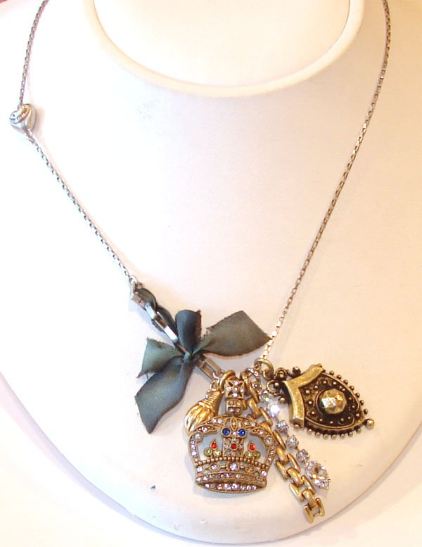 Juicy Couture Jewelry LONG ROYALTY CLUSTER NECKLACE