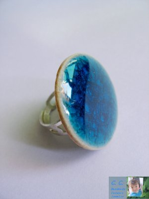Porcelain ring in crackle clear turquoise by C.C.