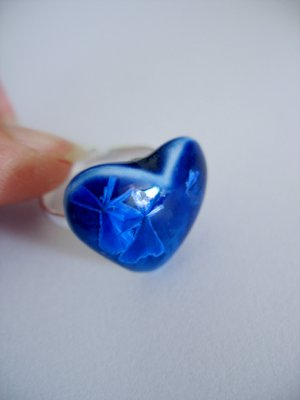Look, It's icing up-Porcelain crystalline ring in sapphire by C.C.