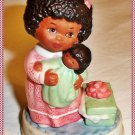 Collectible Avon TENDER MEMORIES, Porcelaiin Figurine