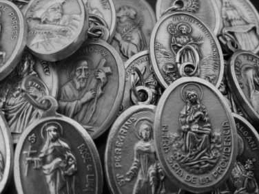 MIX-100 ASSORTMENT OF ST MEDALS - pull 1 each of 100 different saint medal