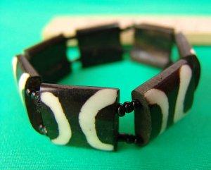 Attractive Handmade Bone Bracelet from Zimbabwe!