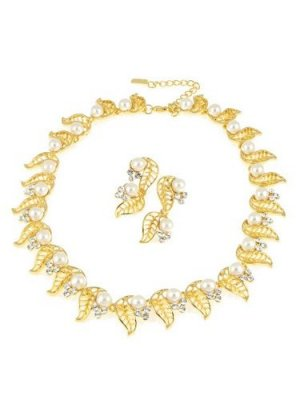 WHITE PEARL CRYSTAL GOLD CHAIN CHOKER NECKLACE EARRINGS NEW FROM THE CHRISTINA COLLECTION