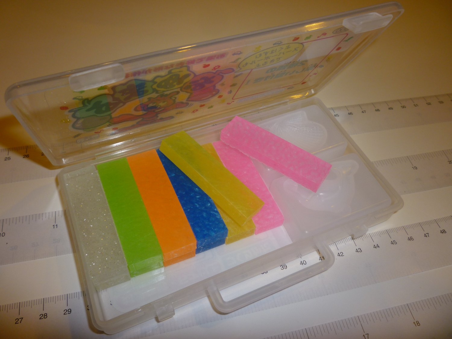 Clay Mold making Oyumaru (Multi color)-1 pkg (12) plus 2 molds - Make clay molds, use only hot water
