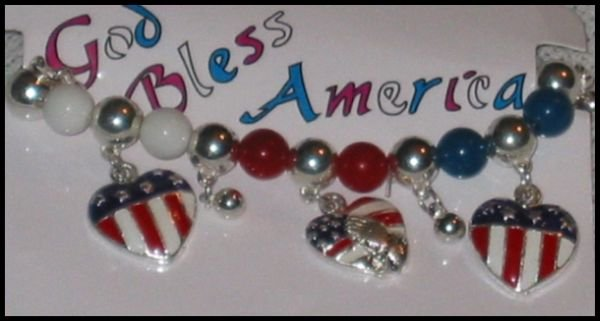 Support Our Troops God Bless America Patriotic American Flag Heart & Prayer Charm Bracelet J72