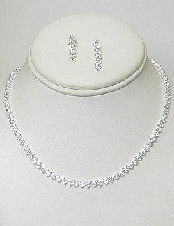 SIMPLE CLEAR RHINESTONE NECKLACE SET NKR611