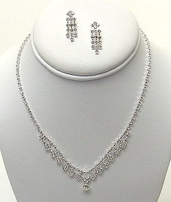 DAINTY RHINESTONE NECKLACE SET NKR315