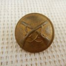 Argentina Army ANTIQUE  Infantry Crossed Rifles Button