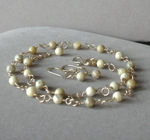 Cream and Honey Jewelry Set